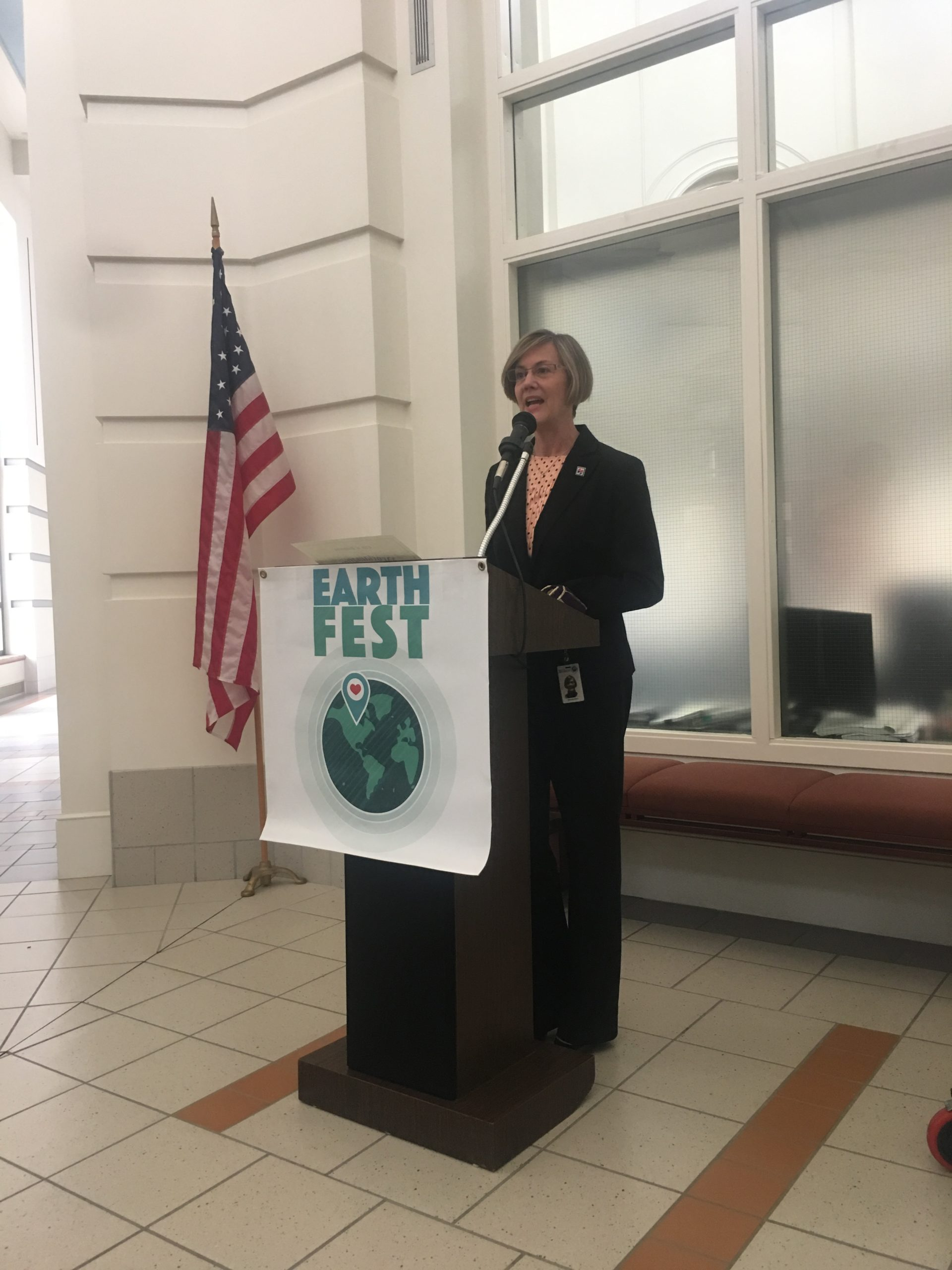 Rochester Mayor Kim Norton gives proclamation for EathFest 2019